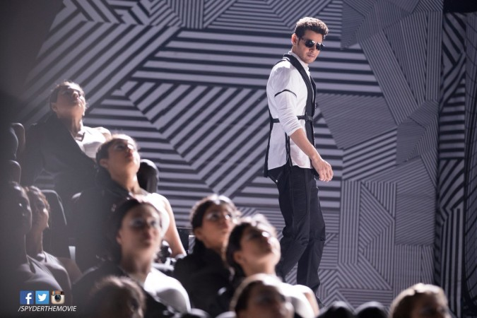 Mahesh Babu in the song Boom Boom from Spyder