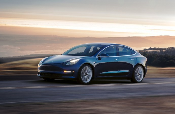 Tesla Model 3 To Arrive India Only By 2019 Ev To Be Priced Around