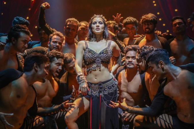 Sunny Leone in Bhoomi song Trippy Trippy