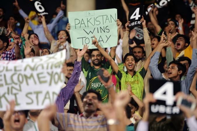 Pakistan cricket, Pakistan fans, Pakistan vs World XI
