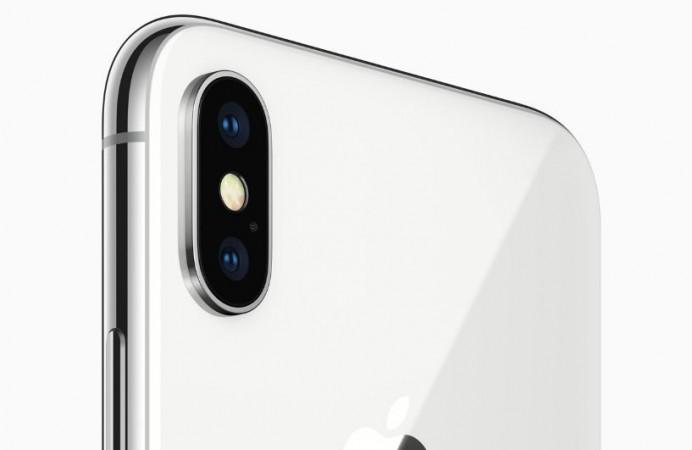 iPhone X rear dual camera