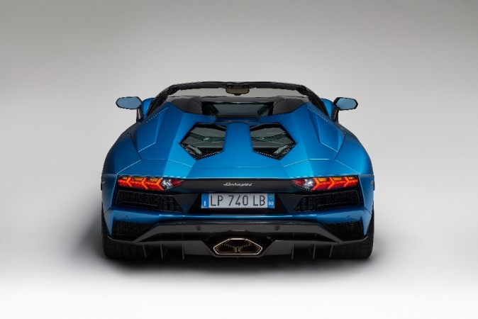 Lamborghini Aventador S Roadster Launched In India At Rs 5 79 Crore