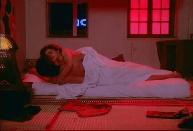 Shah Rukh Khan and Deepa Sahi's intimate scene in Maya Memsaab