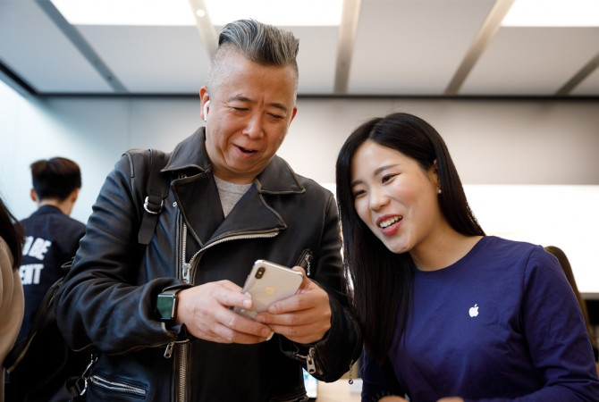 Customer with iPhone X in Shanghai, China