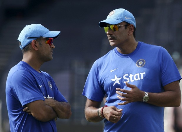 MS Dhoni and Ravi Shastri