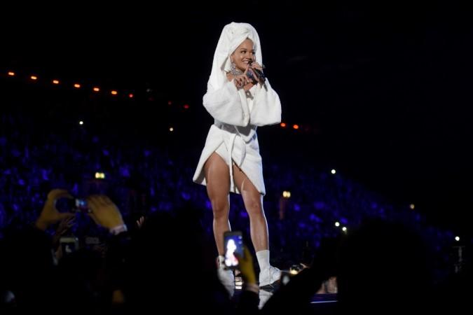 Rita Ora bathrobe EMA 2017