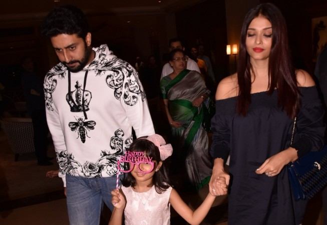 Aaradhya with parents, Abhishek Bachchan and Aishwarya Rai Bachchan