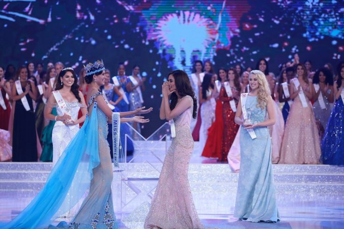 Manushi Chhillar was crowned Miss World 2017 by outgoing titleholder Stephanie Del Valle