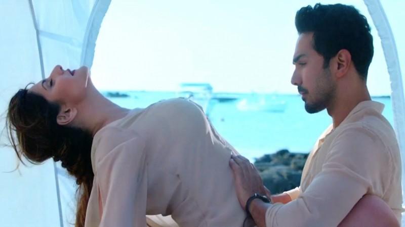Zareen Khan in Aksar 2