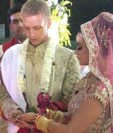 Aashka Goradia and Brent Globe wedding