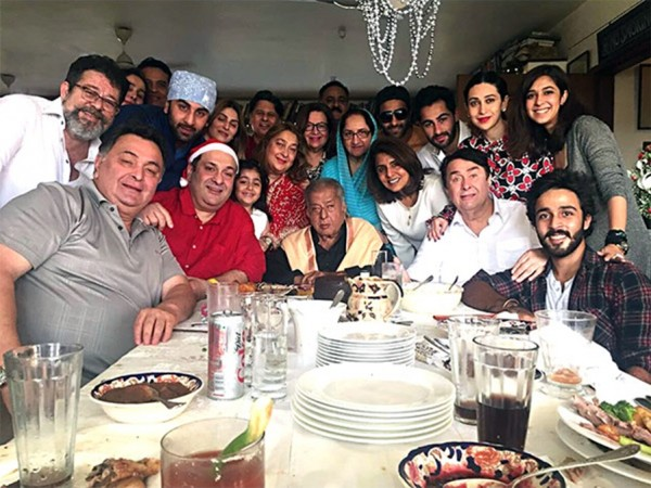 Shashi Kapoor's 2016 family picture