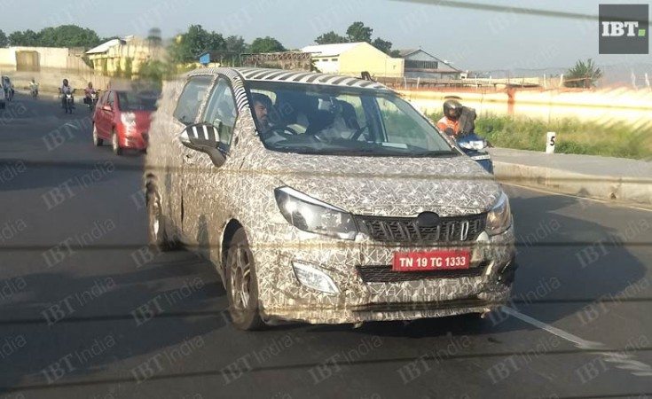 Mahindra XUV500 Facelift SUV launching today! 4 BIG changes