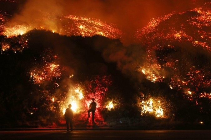 California wildfires: Thousands evacuated as 6 fires rage in southern part of state leaving over 120,000 acres of land charred [PHOTOS] - IBTimes India