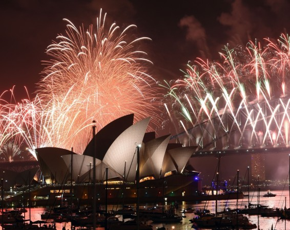 Sydney New Year S Eve Fireworks 2018 Live Stream When And How You