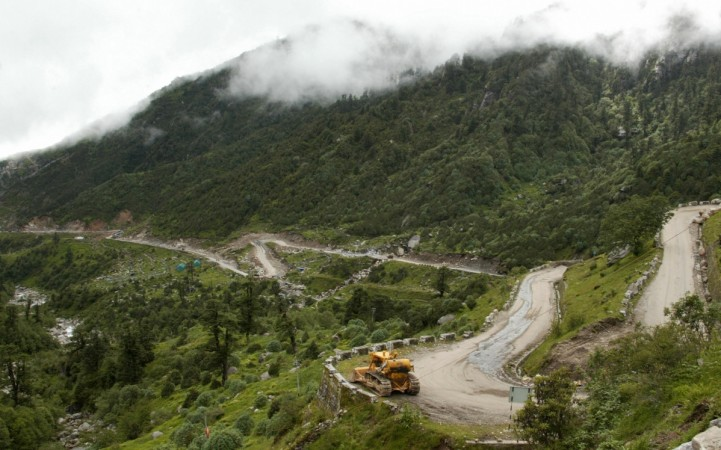 Chinese Army camping at Doklam in winters for the first time; should presence of over 1,800 troops worry India? - IBTimes India