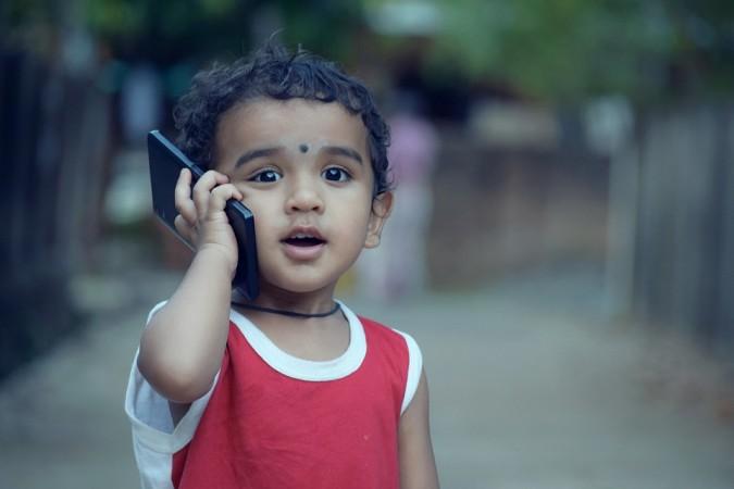 Dangers of kids using smartphones