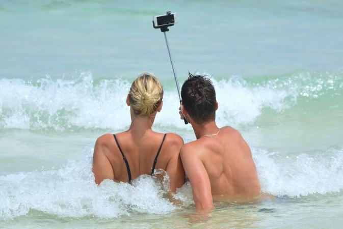 selfitis, selfie,