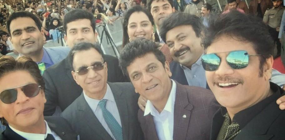 Shah Rukh Khan with Shivaraj Kumar, Nagarjuna, Sivaji Prabhu, Manju Warrier