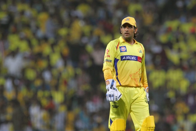 Chennai Super Kings Captain MS Dhoni Warms Up for IPL