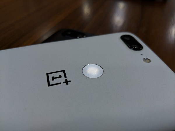 OnePlus 5T Sandstone White Review