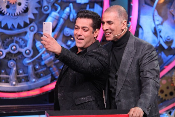 Akshay Kumar with Salman Khan on Bigg Boss 11 finale