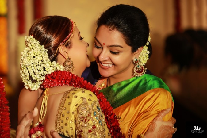 Manju Warrier with Bhavana at her Marriage