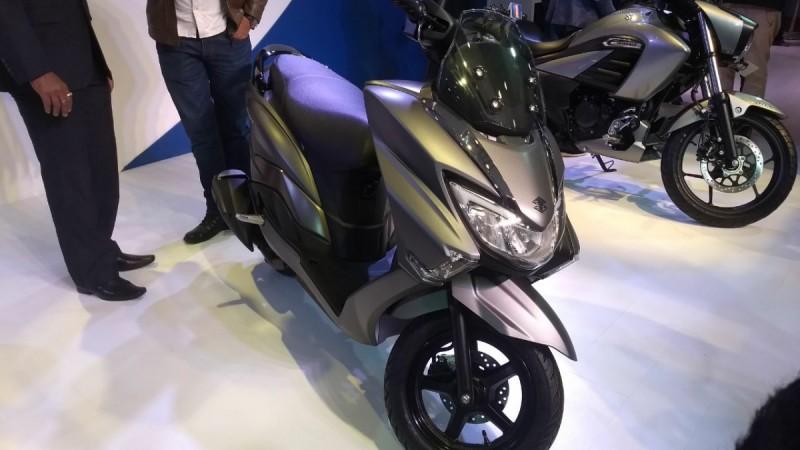 Auto Expo 2018 Suzuki Burgman Street 125 Scooter Is A Stunner Take