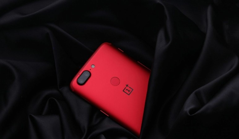OnePlus 5T, Lava Red, Amazon India, offers, Valentine's Day offer