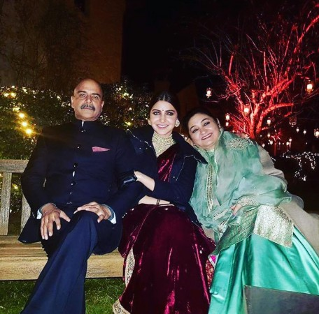 Anushka Sharma parents