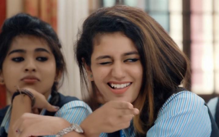 Priya Prakash Varrier's Flying Kiss in Oru Adaar Love teaser