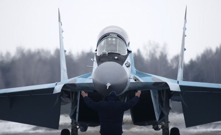 A new multi-role Russian MiG-35 fighter lands during its international presentation at the MiG plant in Lukhovitsy