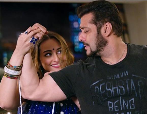 Sonakshi Sinha, Salman Khan