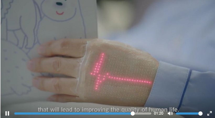 On-skin wearable, nanomesh electrode, biometric information relay,