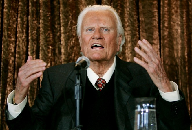 Evangelist Billy Graham speaks to members of the media at a news conference in New York, U.S. June 21, 2005.