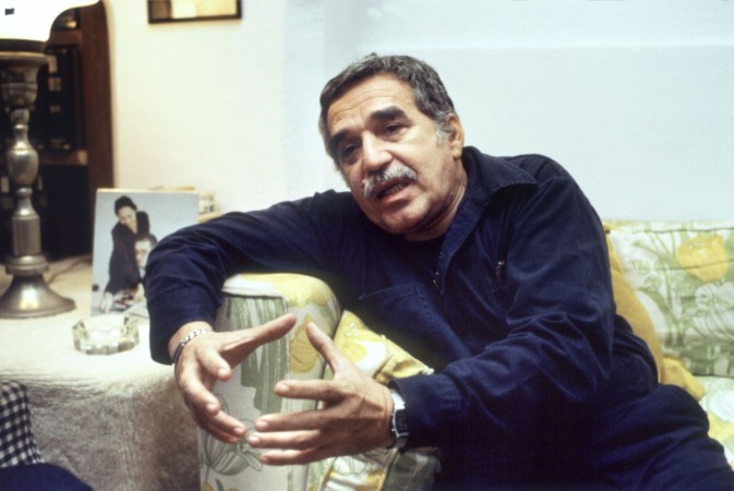 Gabriel Garcia Marquez answers journalists' questions after having been announced as winner of the Nobel Prize for Literature, 25 October 1982 in Mexico City.