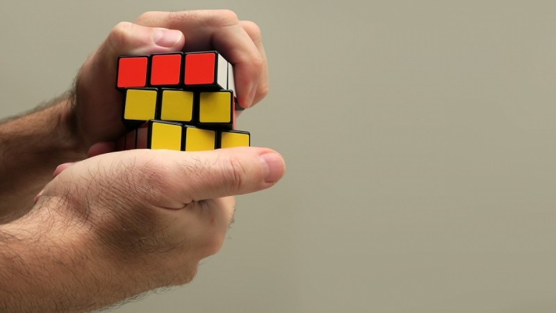 Who is the fastest to solve Rubik's cube – robot or human? - IBTimes India