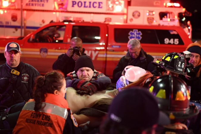 Tourist helicopter crashes in NYC