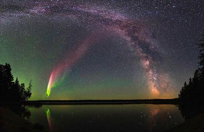 The unusual phenomenon of Aurora Steve captured by citizen scientists.