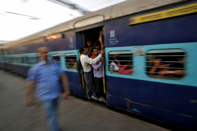 Ahmedabad-Puri Express travels few kms without engine