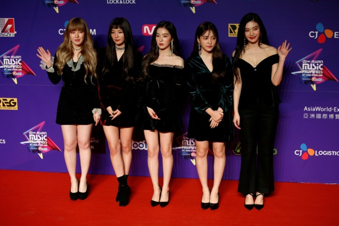 Members from South Korean K-pop group Red Velvet pose on the red carpet during the Mnet Asian Music Awards in Hong Kong, China December 1, 2017.