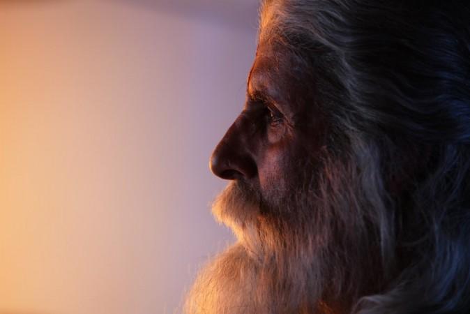 First Look Amitabh Bachchan in Chiranjeevi-starrer Sye Raa Narasimha Reddy