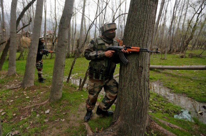 Kashmiri soldier comes home on leave, joins Hizbul Mujahideen