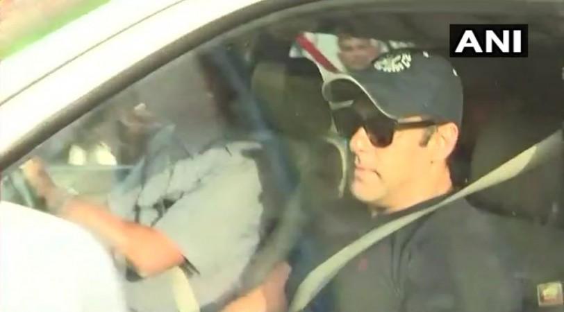Salman Khan leaves for airport