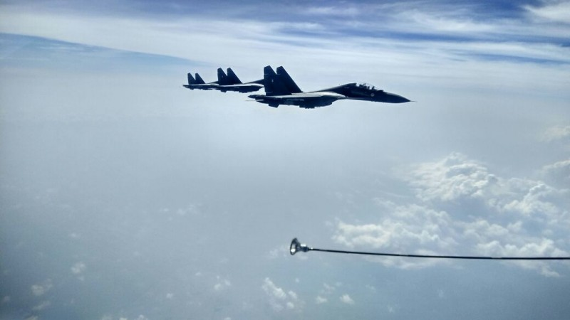 IAF's Sukhoi Su-30s refuelling mid-air during Gagan Shakti 2018 exercise