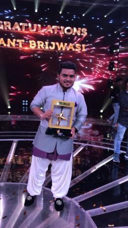 Hemant Brijwasi wins Rising Star 2