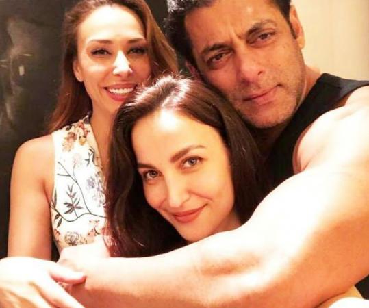 Elli Avram deleted this picture with Salman Khan and Iulia Vantur
