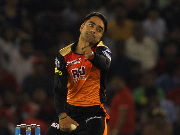 IPL 2018: RCB survive Williamson scare to stay alive