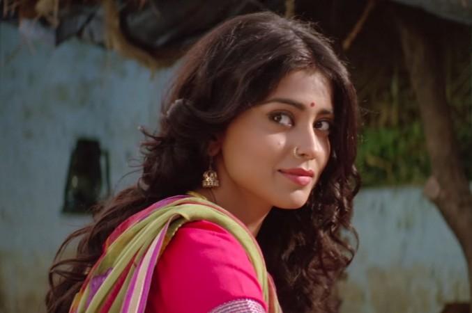 Shriya Saran in Hindi film Phamous