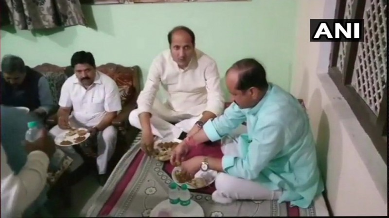 UP ministers dinner at Dalit home triggers controversy