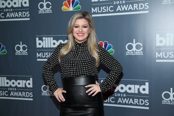2018 Billboard Music Awards host Kelly Clarkson